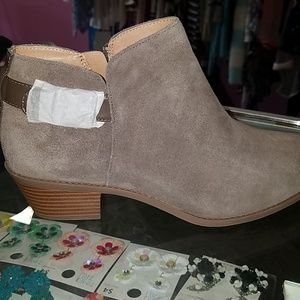 Vionic Ankle Boots with Buckle millie